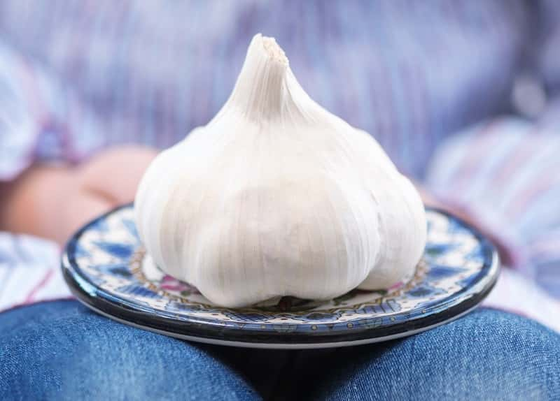 Don't Insert Garlic in Your Private Part to Cure a Yeast